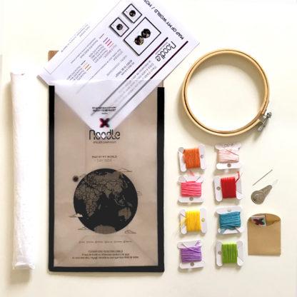 Map of my world, Kit de Broderie, affiche-textile Reaytobemade par noodlegraphique.