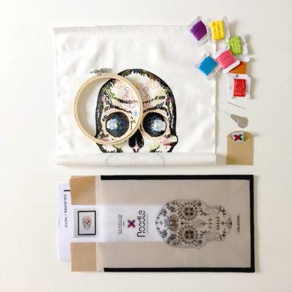 Calavera, Kit de Broderie, affiche-textile Reaytobemade par noodlegraphique.
